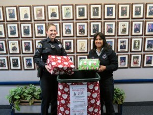 SSF Police Association & FD Collect for 2015 Holiday Toy and Food Drive